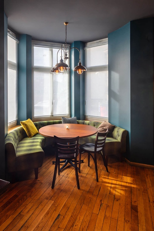 Tisch, Lounge, Bar
