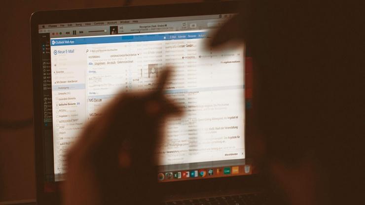 mailbomb, cybercrime, hacker, versicherung, cyber-versicherung